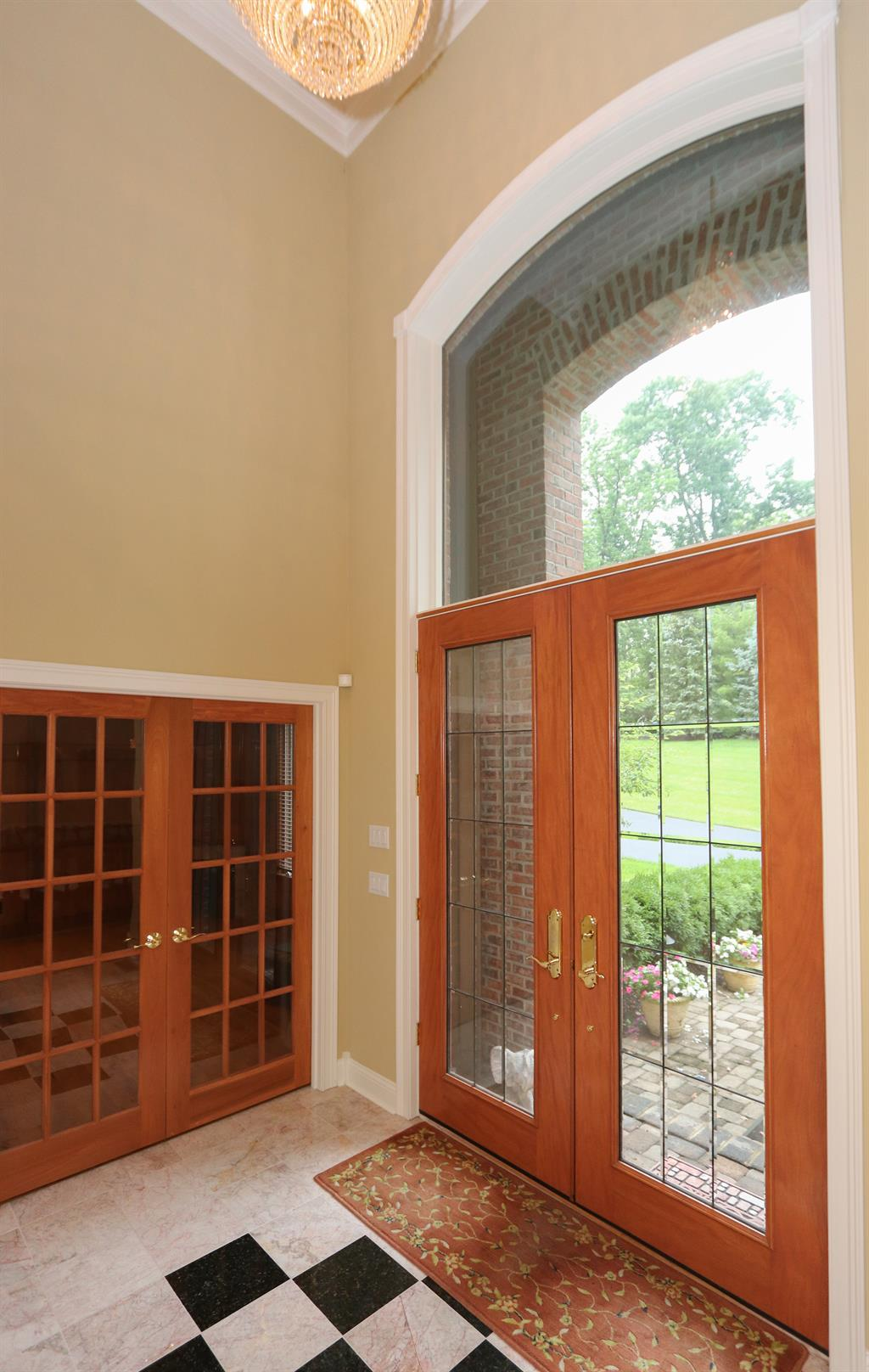 Foyer for 8327 Old Hickory Dr Indian Hill, OH 45243