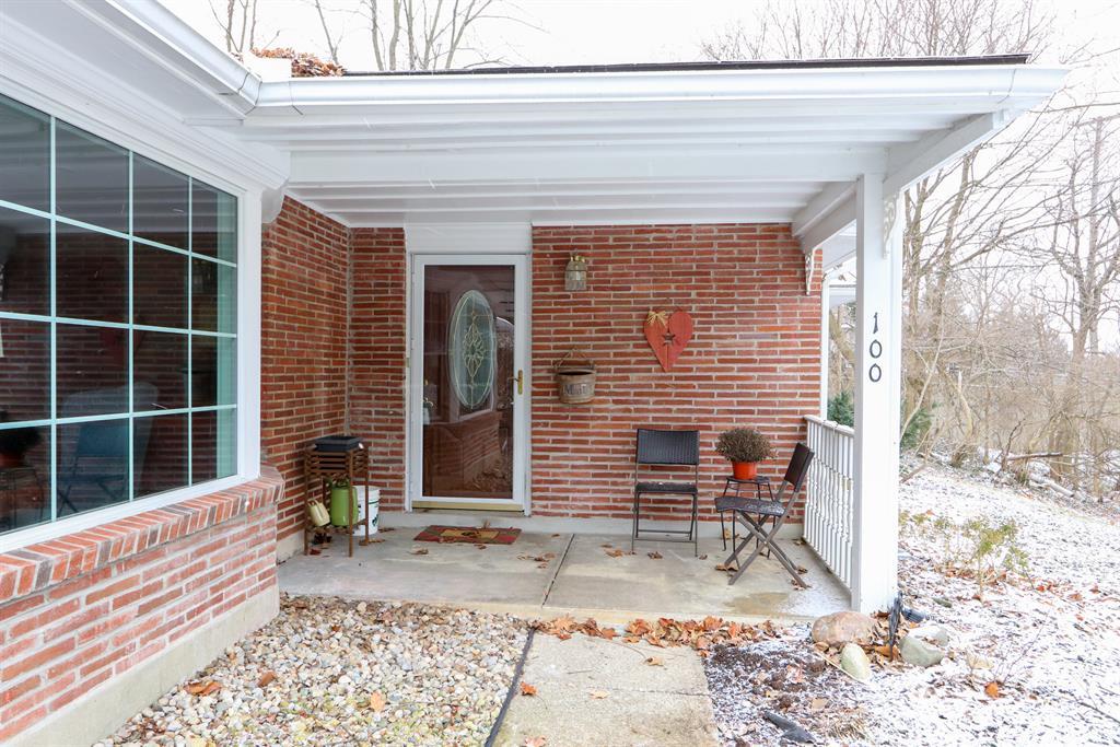 Entrance for 100 E Thruston Blvd Oakwood, OH 45409