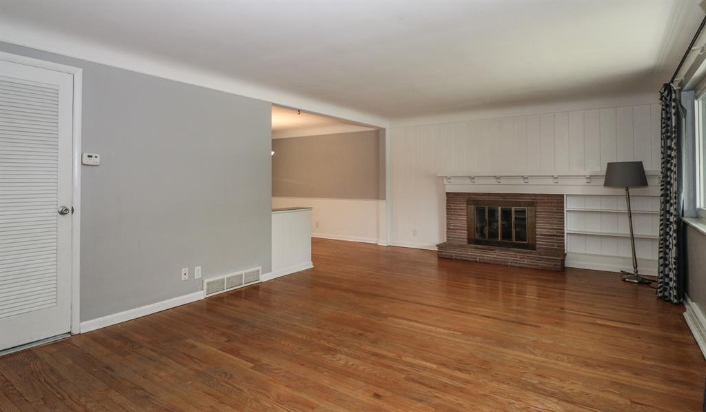 Living Room for 7211 Redondo Ct Madeira, OH 45243