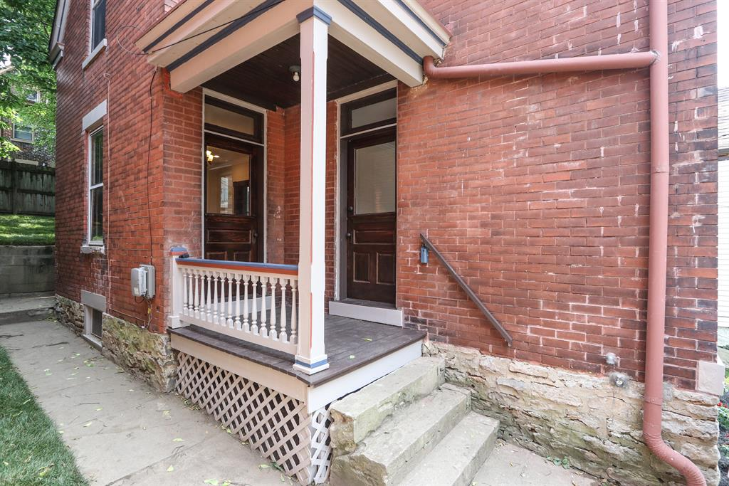 Entrance for 316 E 2nd St Newport, KY 41071