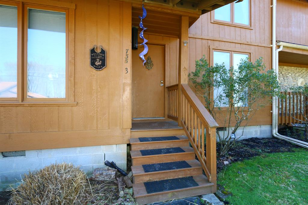 Entrance for 735 Inverness, 3 Perry Park, KY 40363