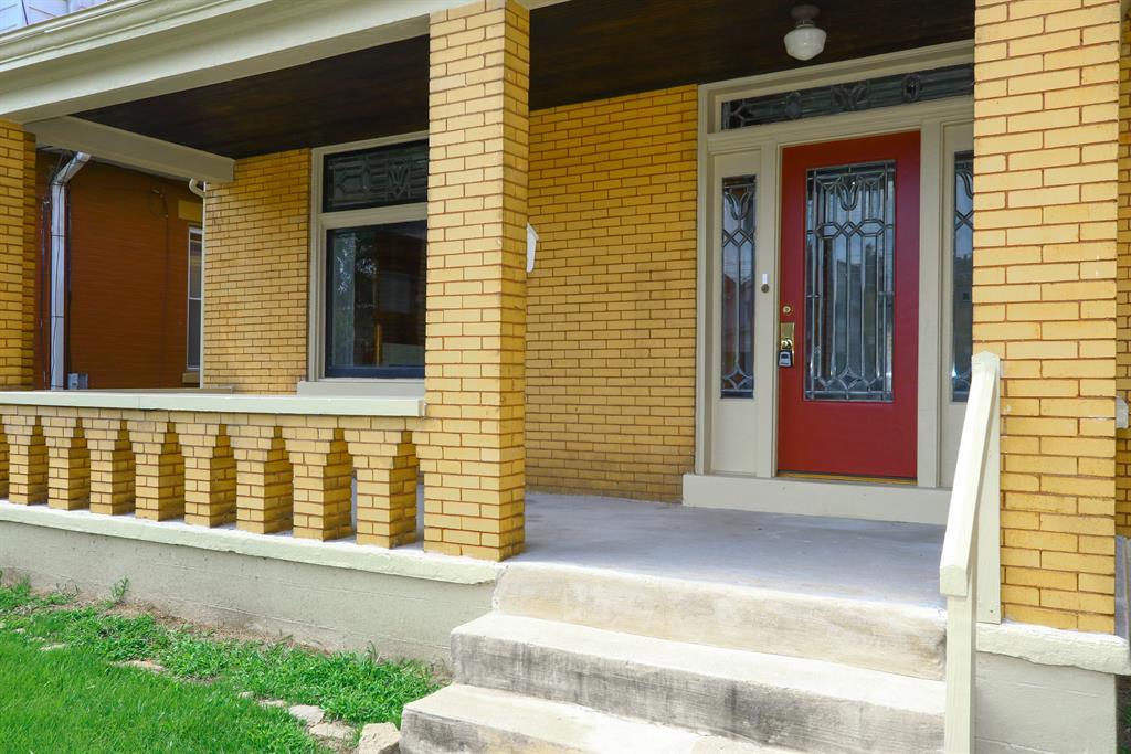 Entrance for 728 Oak St Ludlow, KY 41016