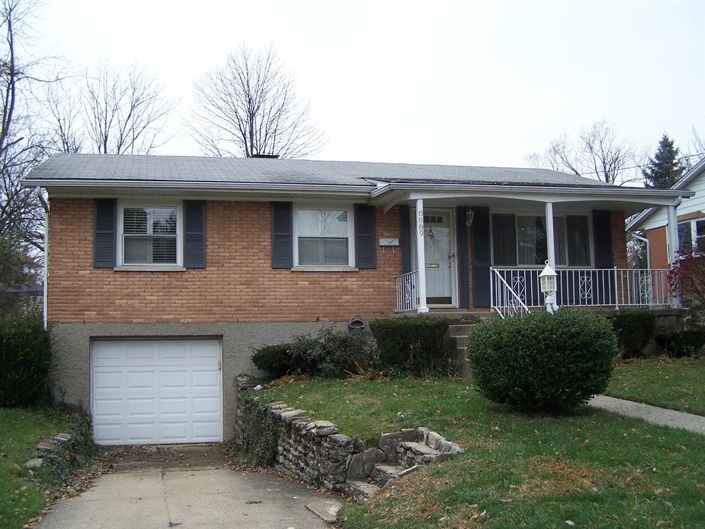 8889 Brittany Dr Blue Ash, OH