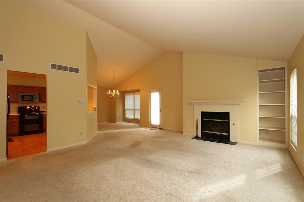 Living Room for 42 Dexter Park Blvd Sharonville, OH 45241