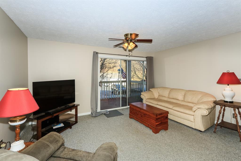Living Room for 20 Creekwood Dr, 5 Wilder, KY 41076