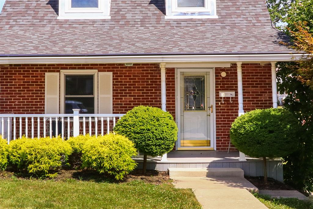 Entrance for 3 Terrace Ave Highland Heights, KY 41076
