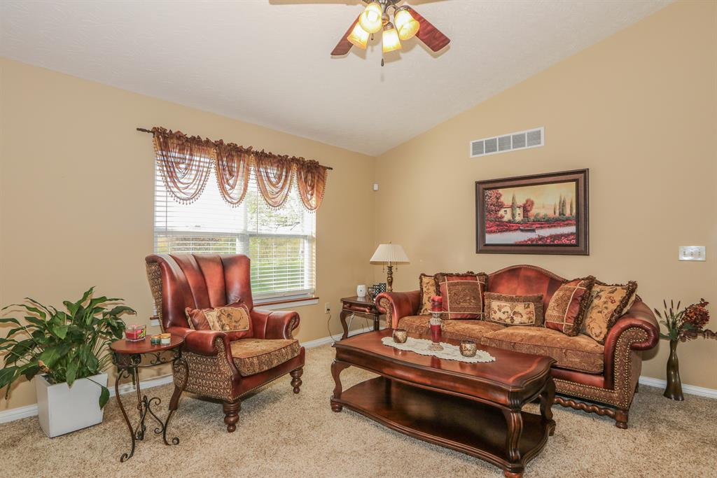 Living Room for 6581 Watson Ln Florence, KY 41042