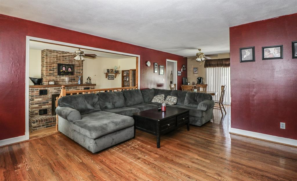 Living Room for 3804 Autumn Rd Elsmere, KY 41018