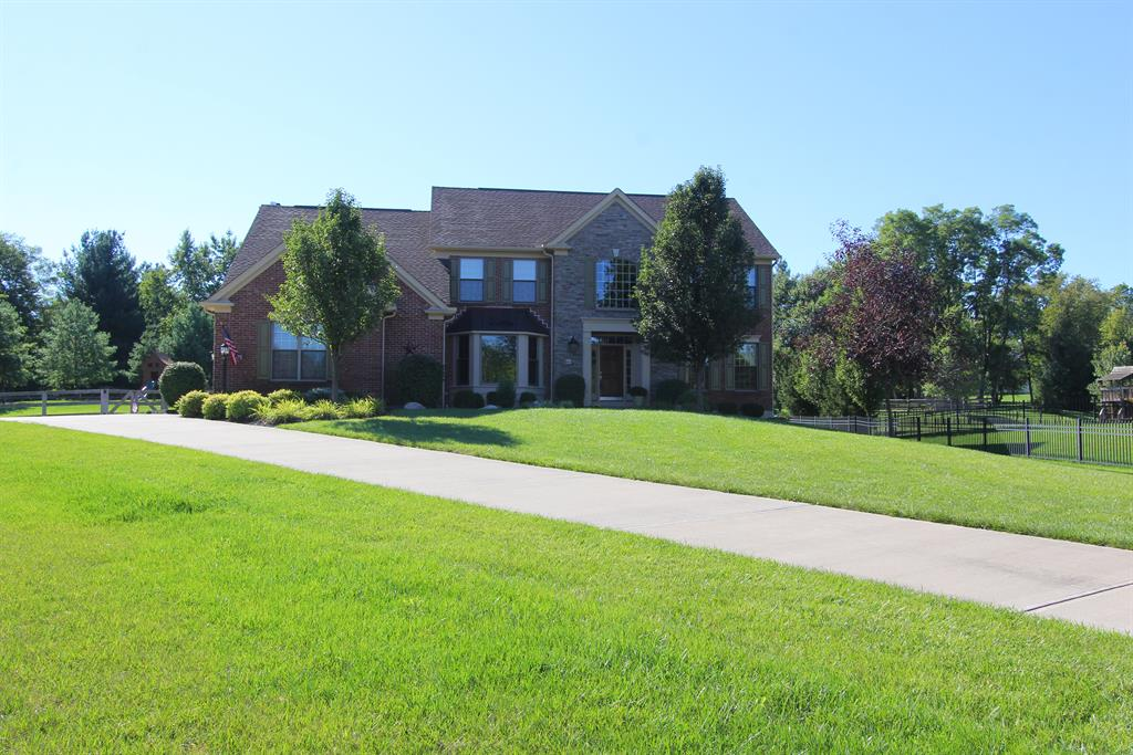 136 Jacobs Ct Loveland, OH