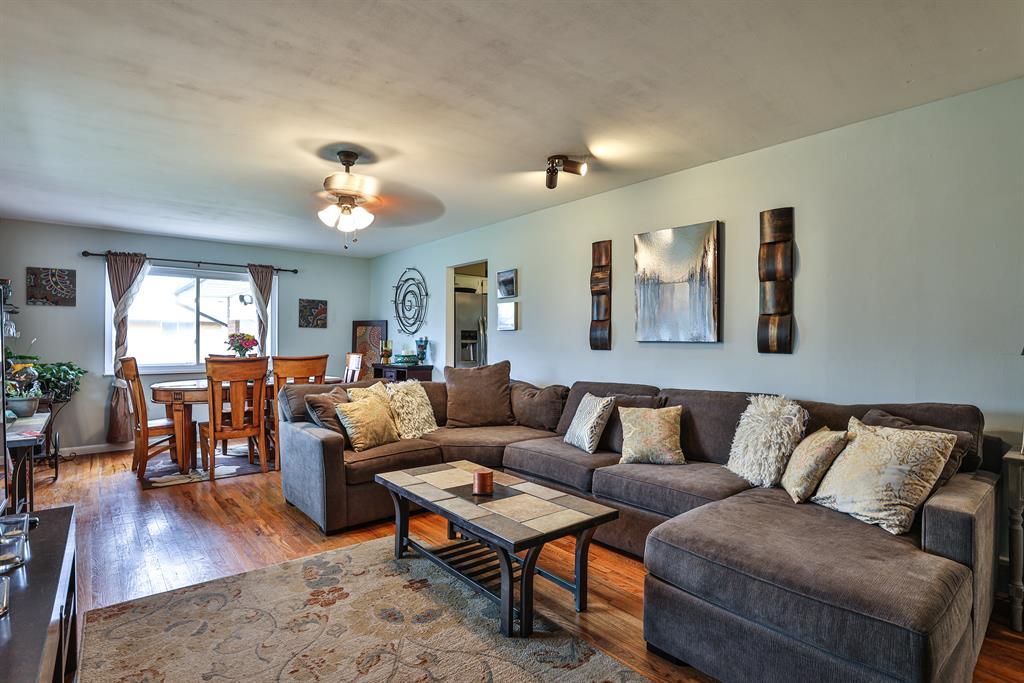 Living Room for 3922 Mefford Lane Sharonville, OH 45241