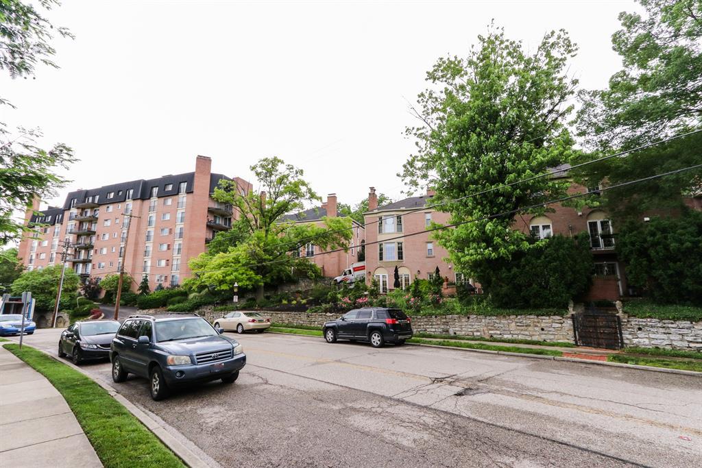 Exterior (Main) 2 for 854 Rue De La Paix, B4 Clifton, OH 45220