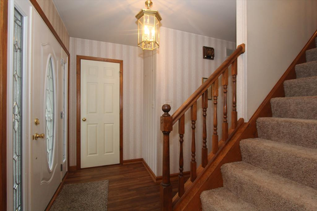 Foyer for 2070 Morningside Dr Florence, KY 41042