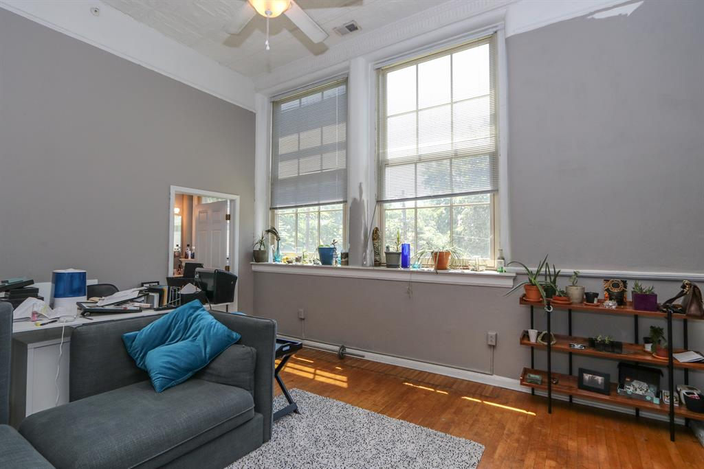 Living Room image 2 for 226 McDaniel St, 210 Dayton, OH 45405
