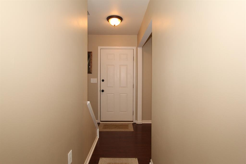 Foyer image 2 for 6541 Tall Oaks Dr Florence, KY 41042