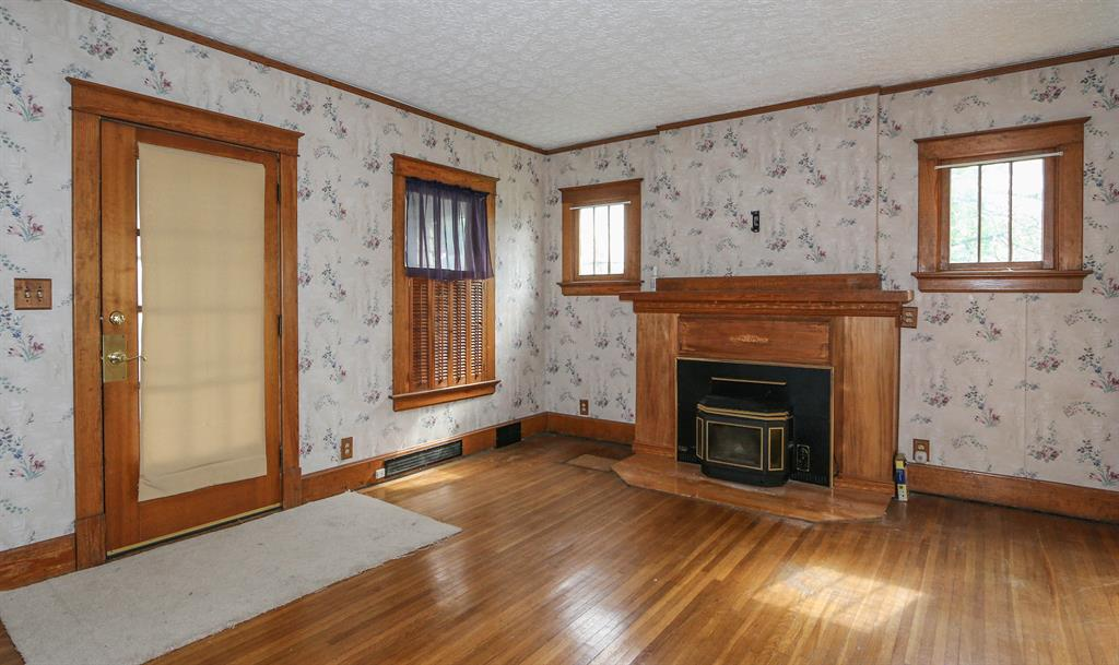 Living Room for 502 Millville Ave Hamilton West, OH 45013