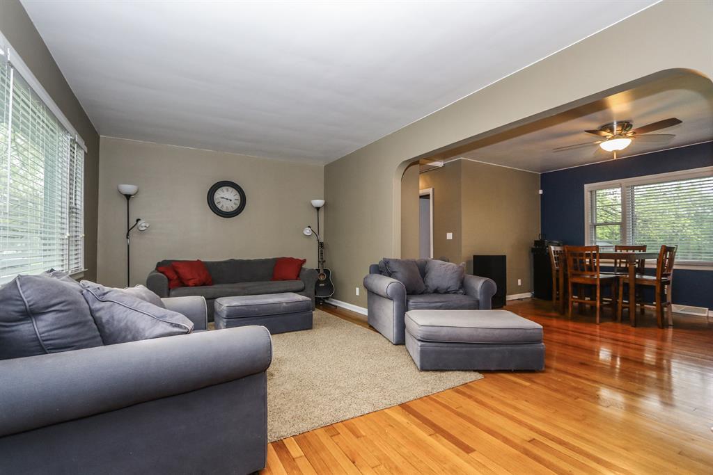 Living Room for 5957 Beverly Ln Middletown, OH 45042