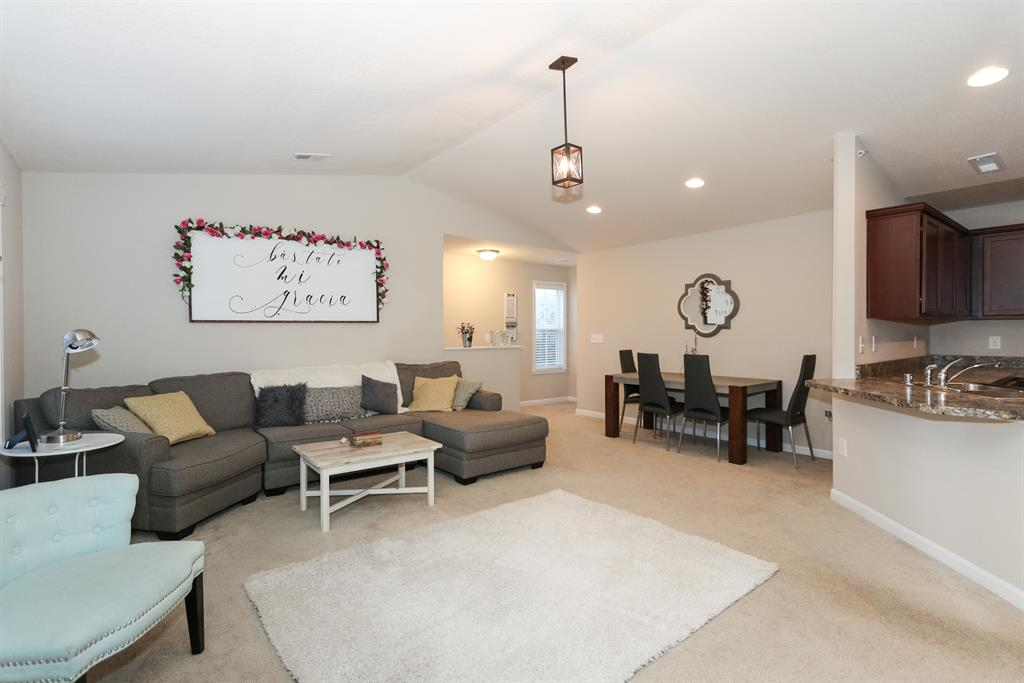 Living Room image 2 for 2123 Rolling Hills Dr Covington, KY 41017