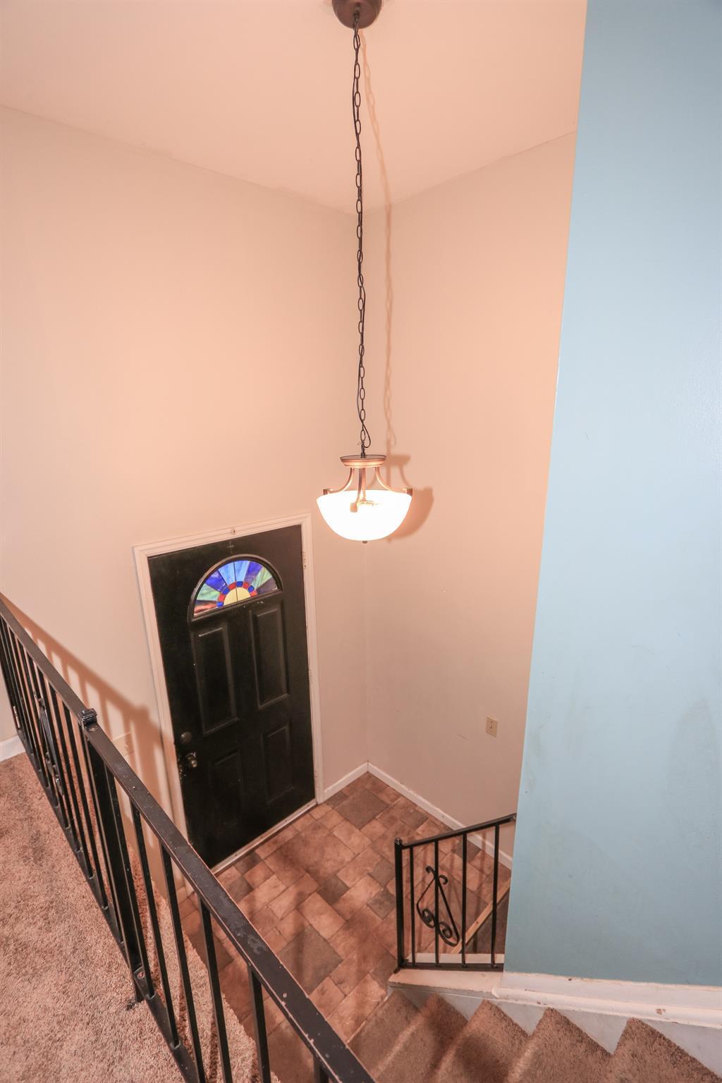 Foyer for 17 Lexington Dr Erlanger, KY 41018