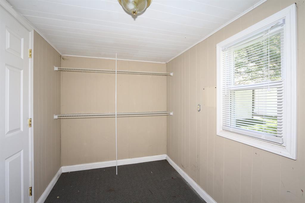 Living Room image 2 for 856 Highway 177 E Butler, KY 41006