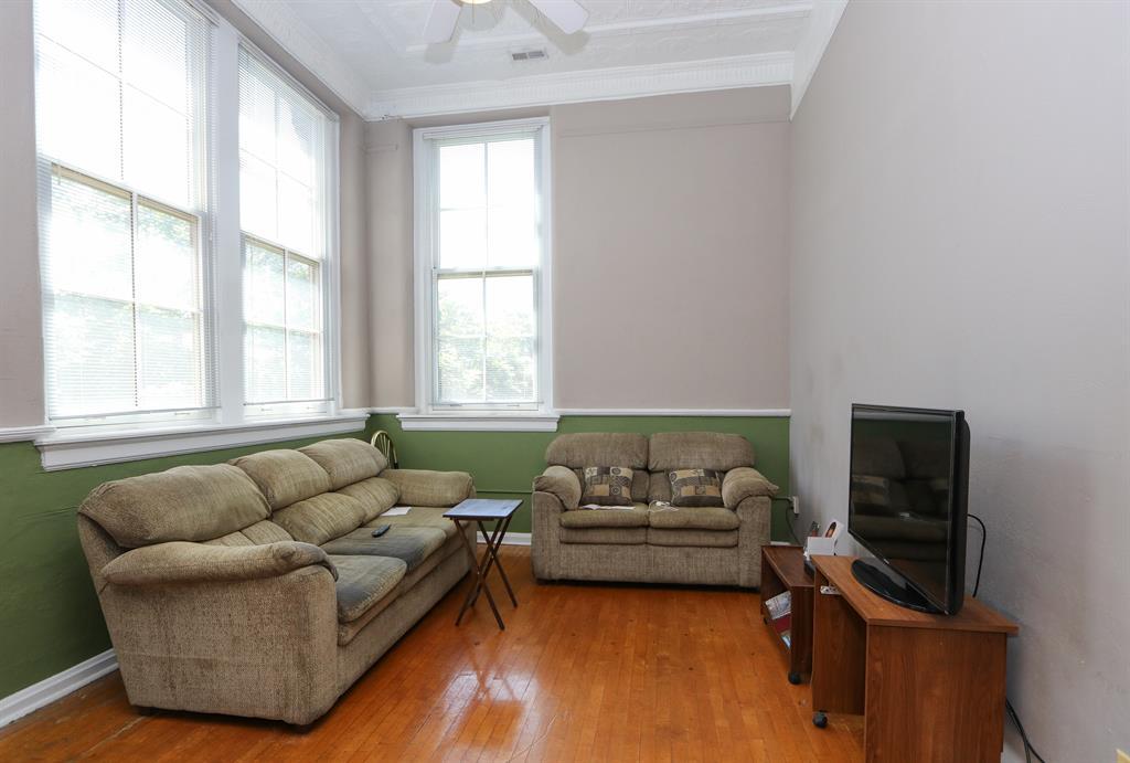 Living Room for 226 McDaniel St, 220 Dayton, OH 45405