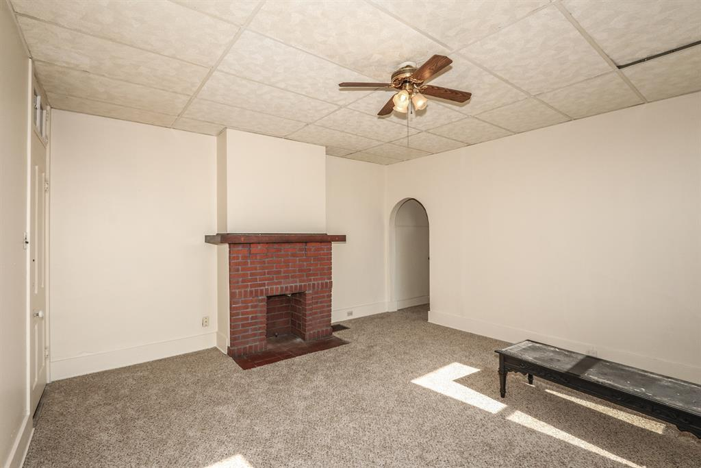 Living Room image 2 for 907 Columbia St Newport, KY 41071