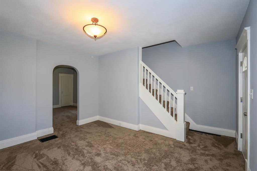 Living Room image 2 for 4336 Glenn Ave Covington, KY 41015