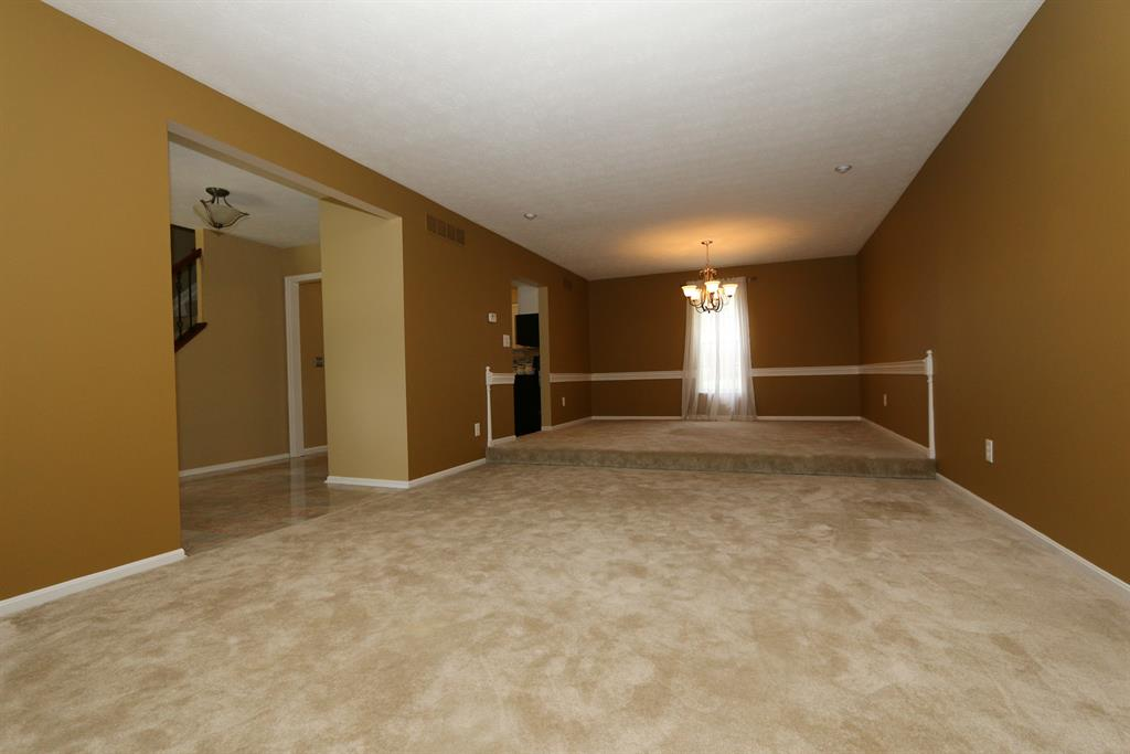 Living Room for 3008 Lee Ln Edgewood, KY 41017