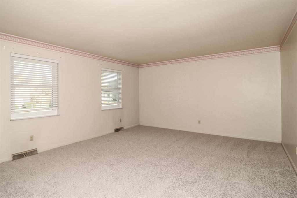Living Room for 3029 Roundhill Ct Edgewood, KY 41017