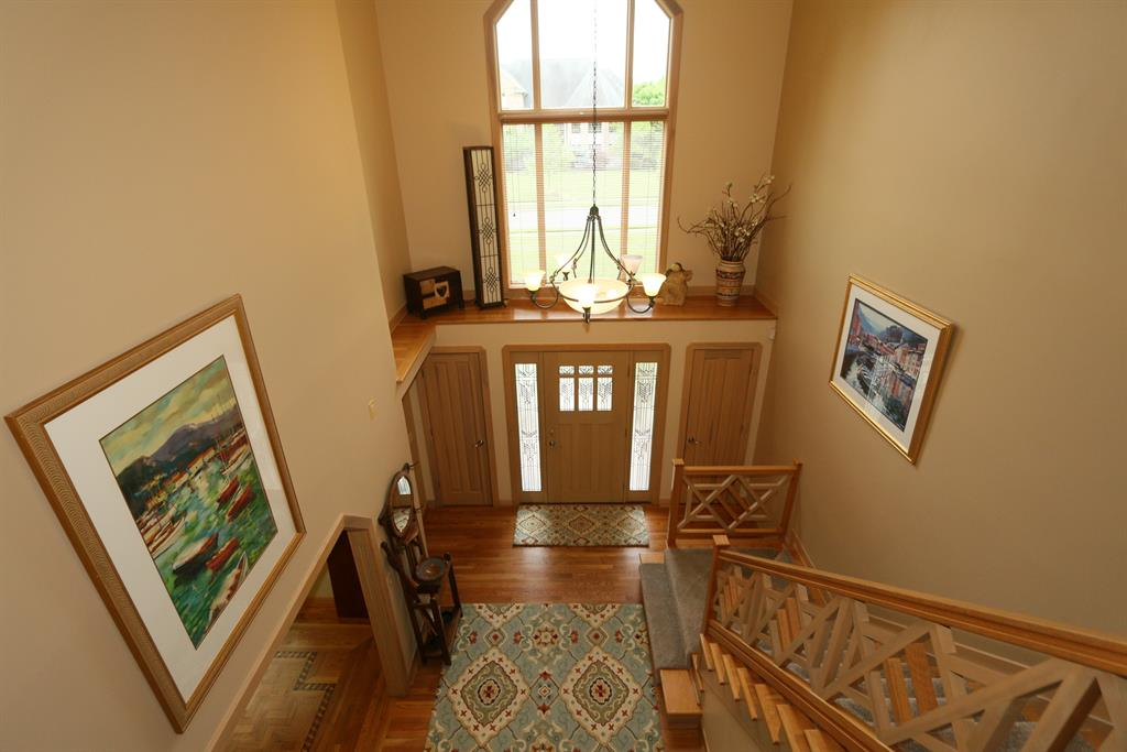 Foyer for 656 Canterbury Dr Edgewood, KY 41017