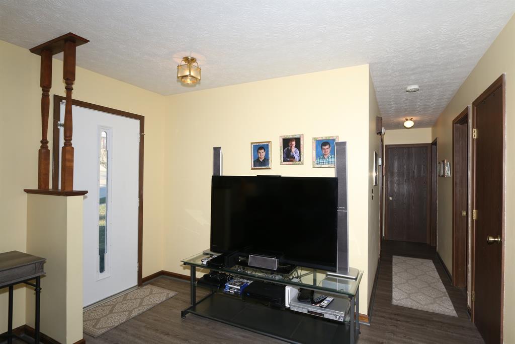 Foyer for 373 Aaron Dr Alexandria, KY 41001