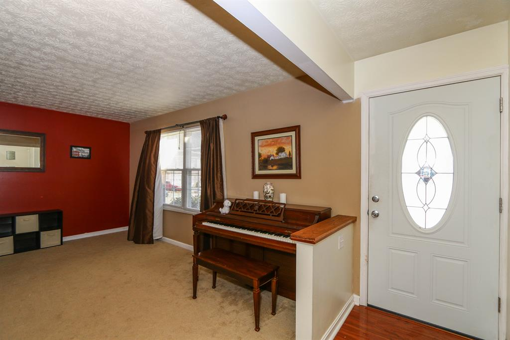 Foyer image 2 for 5003 Whitewood Ct Union Twp. (Clermont), OH 45244