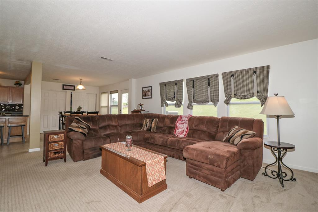Living Room image 2 for 9748 Summerwind Ct Alexandria, KY 41001