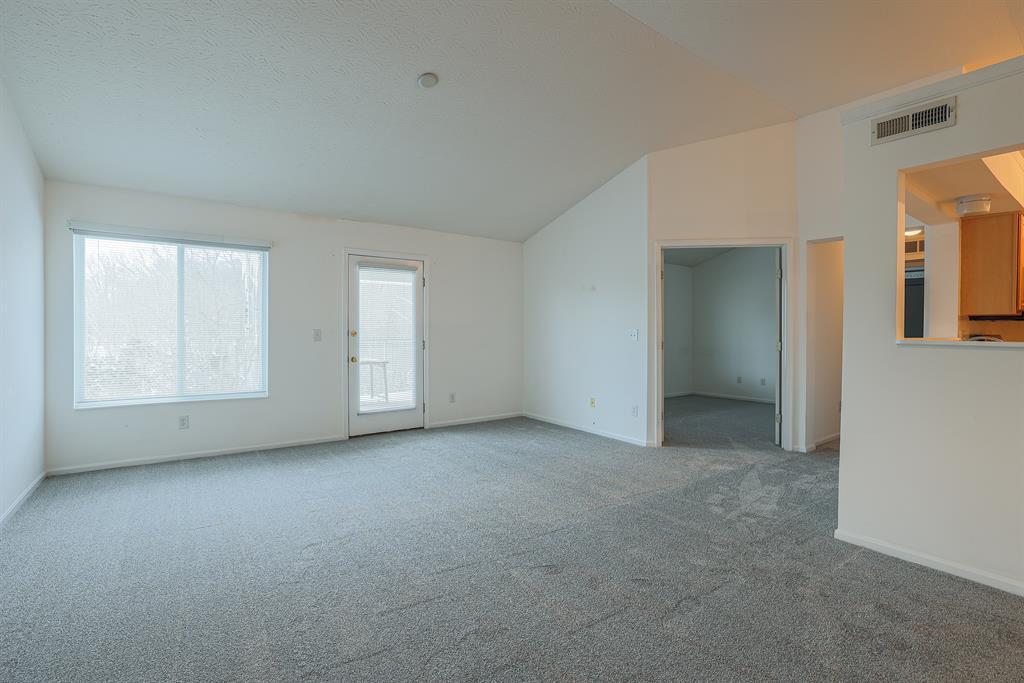 Living Room for 250 Postoak Lane M Milford, OH 45150