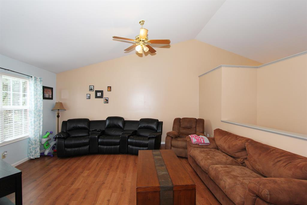 Living Room for 8516 Moonstone Ct Florence, KY 41042