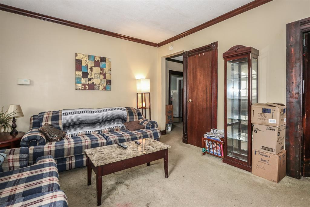Living Room for 412 Harrison Ave Harrison, OH 45030