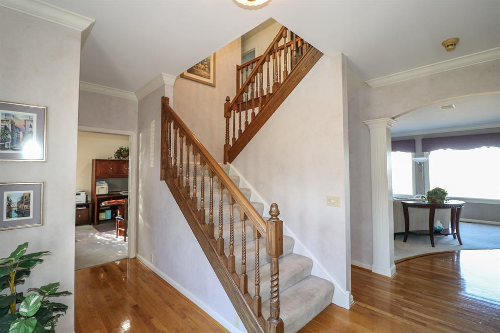 Foyer for 5 Colonel Pointe Dr Wilder, KY 41076