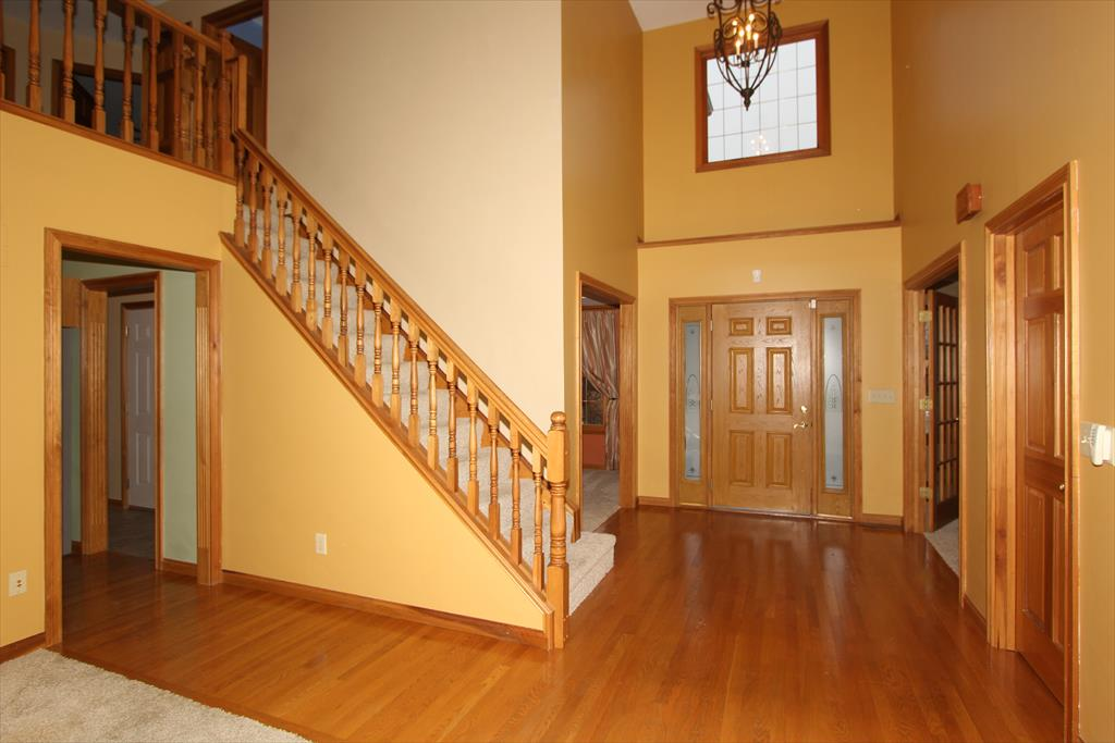 Foyer for 3848 Miramar Dr Burlington, KY 41005
