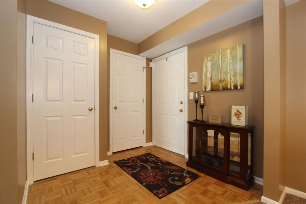 Foyer for 5365 Heatherstone Ct, 2C Taylor Mill, KY 41015