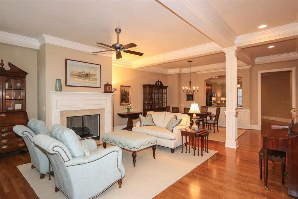 Living Room for 9509 Park Manor Blvd Blue Ash, OH 45242