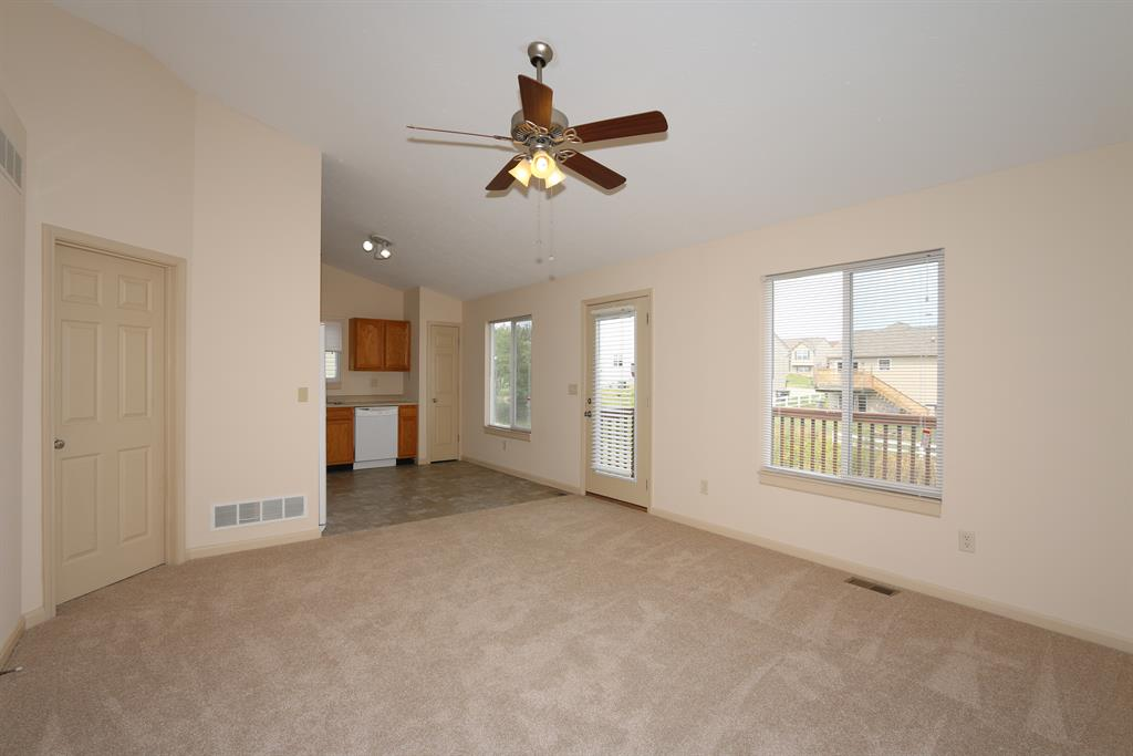 Living Room for 486 Colby Ct Burlington, KY 41005