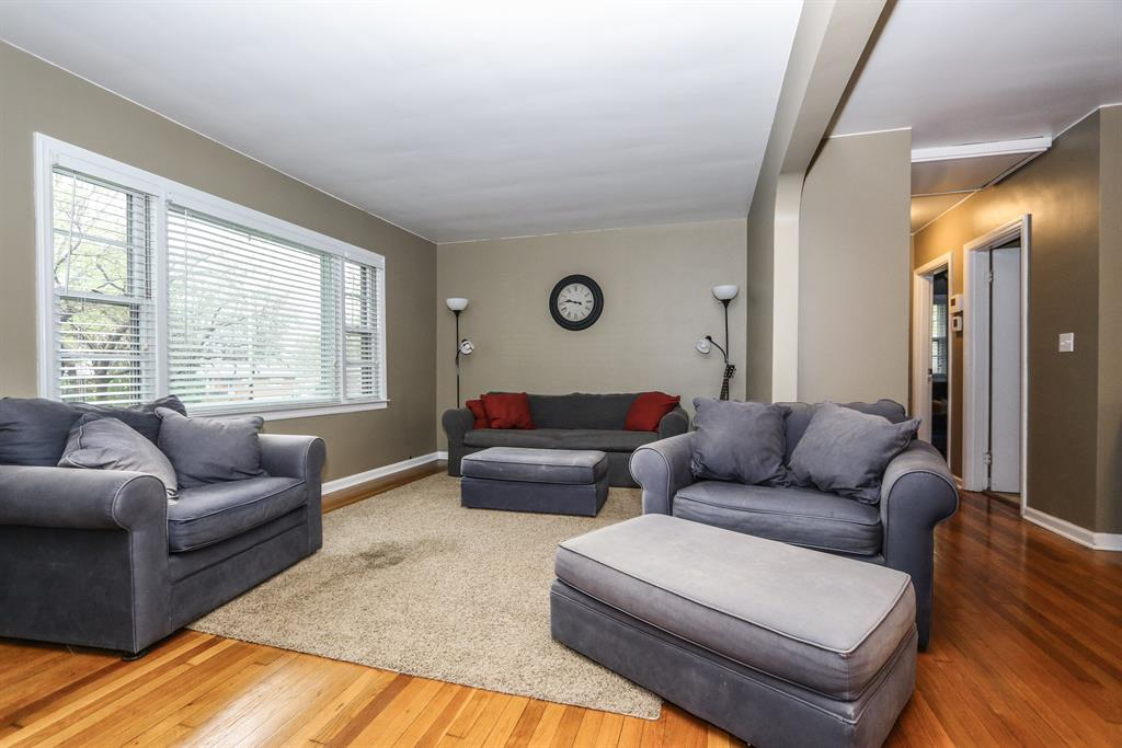 Living Room image 2 for 5957 Beverly Ln Middletown, OH 45042