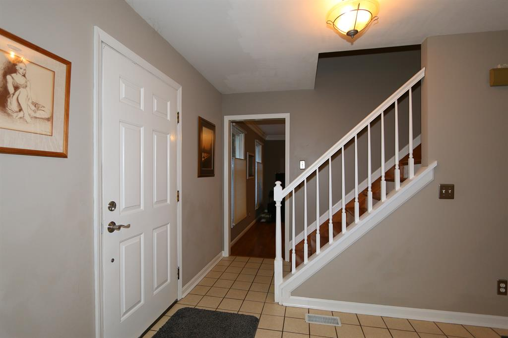 Foyer for 11576 Kemper Woods Dr Symmes Twp., OH 45249