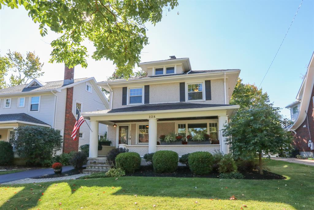 228 Lonsdale Ave Oakwood, OH