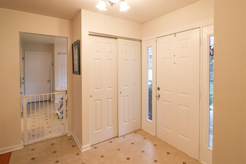 Foyer for 5020 Gary Ln Cold Spring, KY 41076