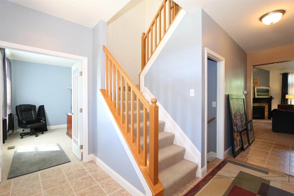 Foyer for 10213 Highmeadow Ln Independence, KY 41051