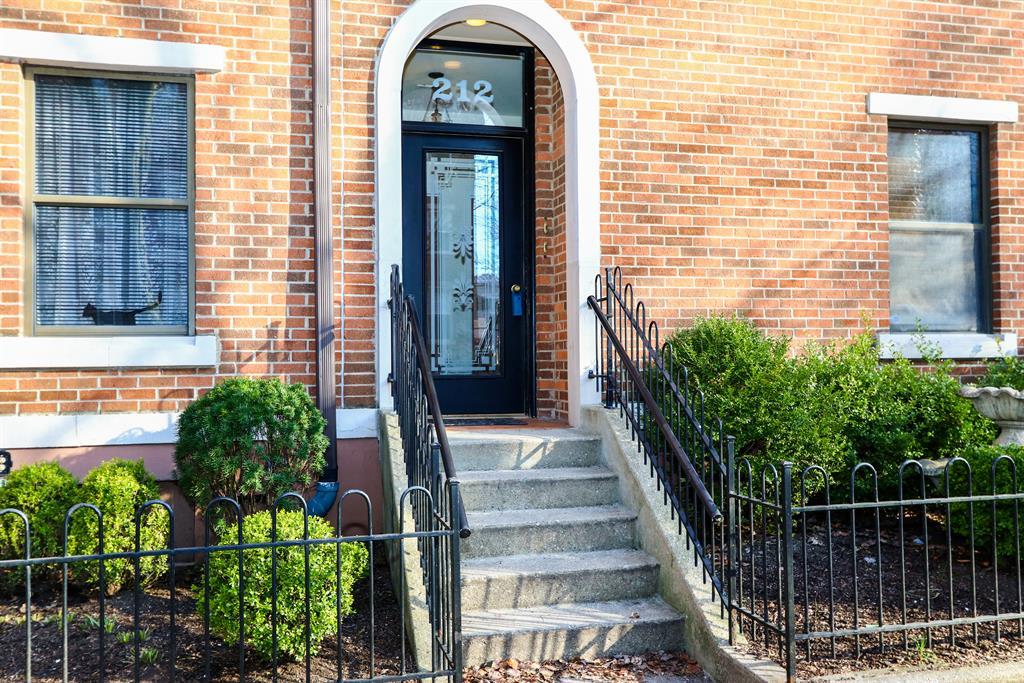 Entrance for 212 E 2nd St, B Covington, KY 41011