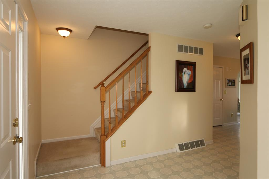 Foyer for 5013 Open Meadow Dr Independence, KY 41051