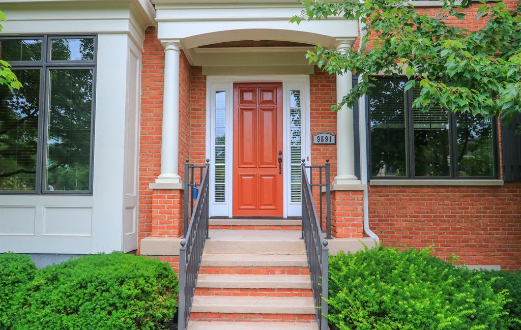 Entrance for 9591 Park Manor Blvd Blue Ash, OH 45242