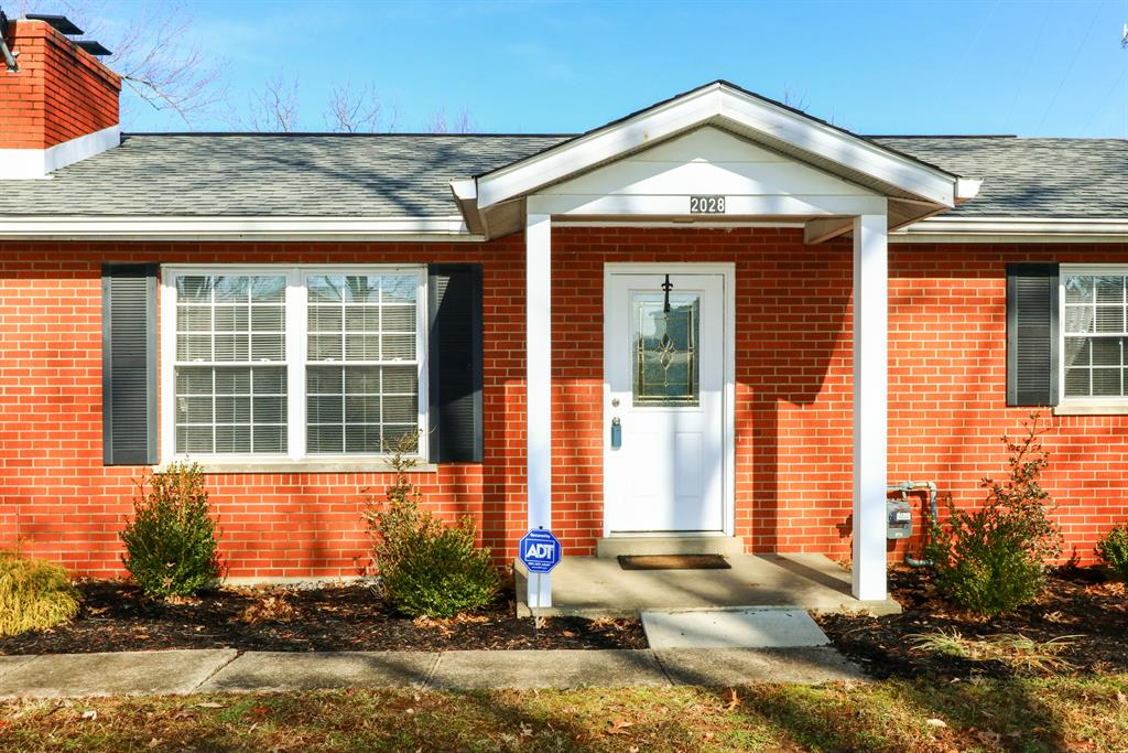 Entrance for 2028 Mapletree Ln Independence, KY 41051