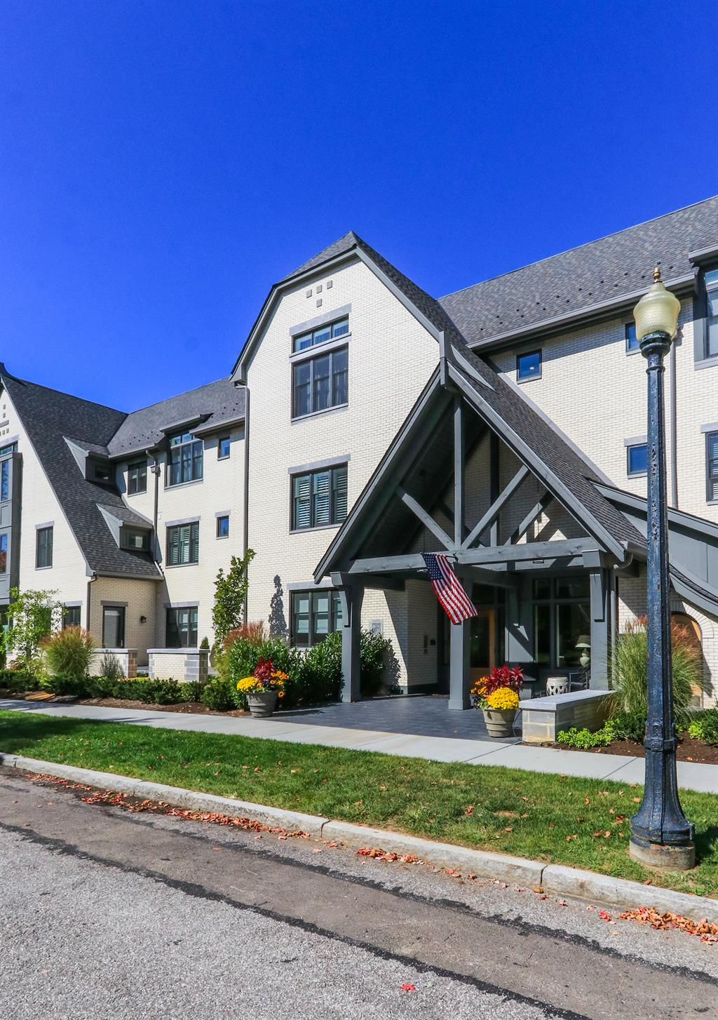 Exterior (Main) 2 for 3818 Miami Rd #206 Mariemont, OH 45227